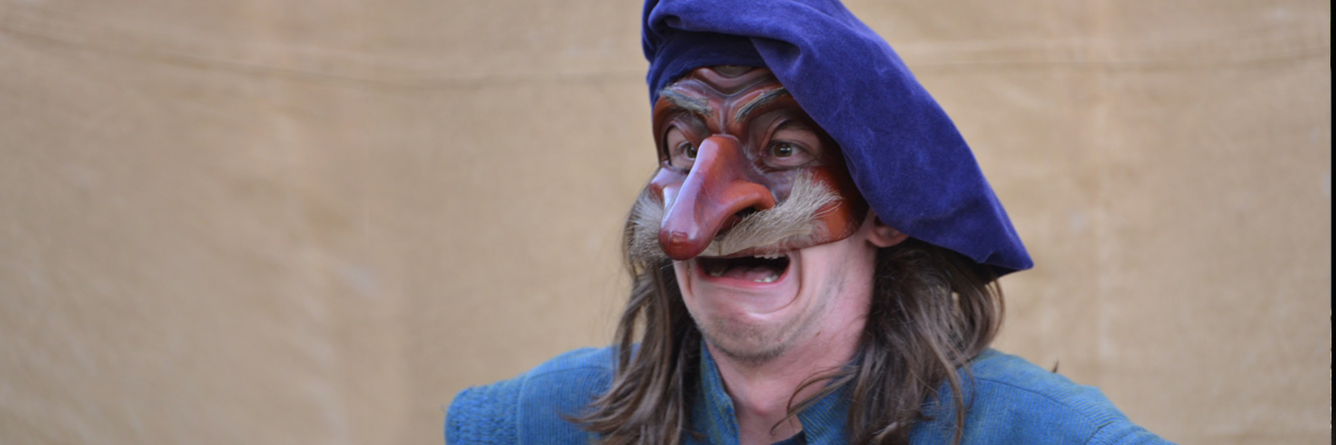 il capitano - high school actor in commedia dell'arte mask - traveling players - physical theater camp